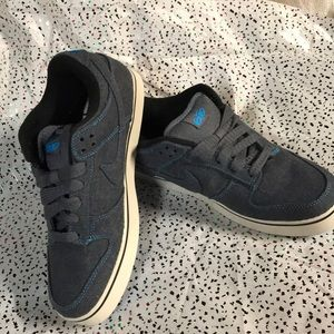 NWNT Women Nike leisure sneakers/shoes👟